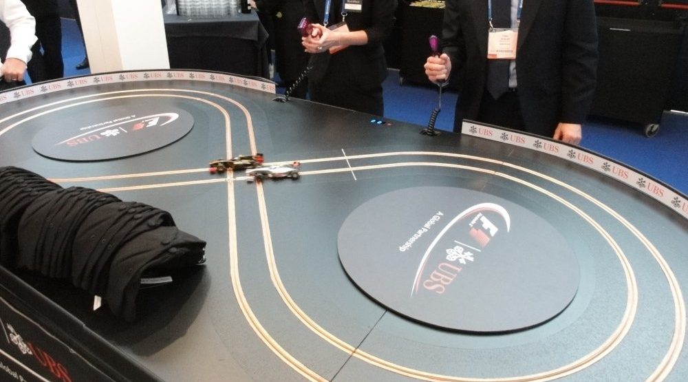 Miniracing scalextric 2 lane exhibition track with custom F1 UBS branding
