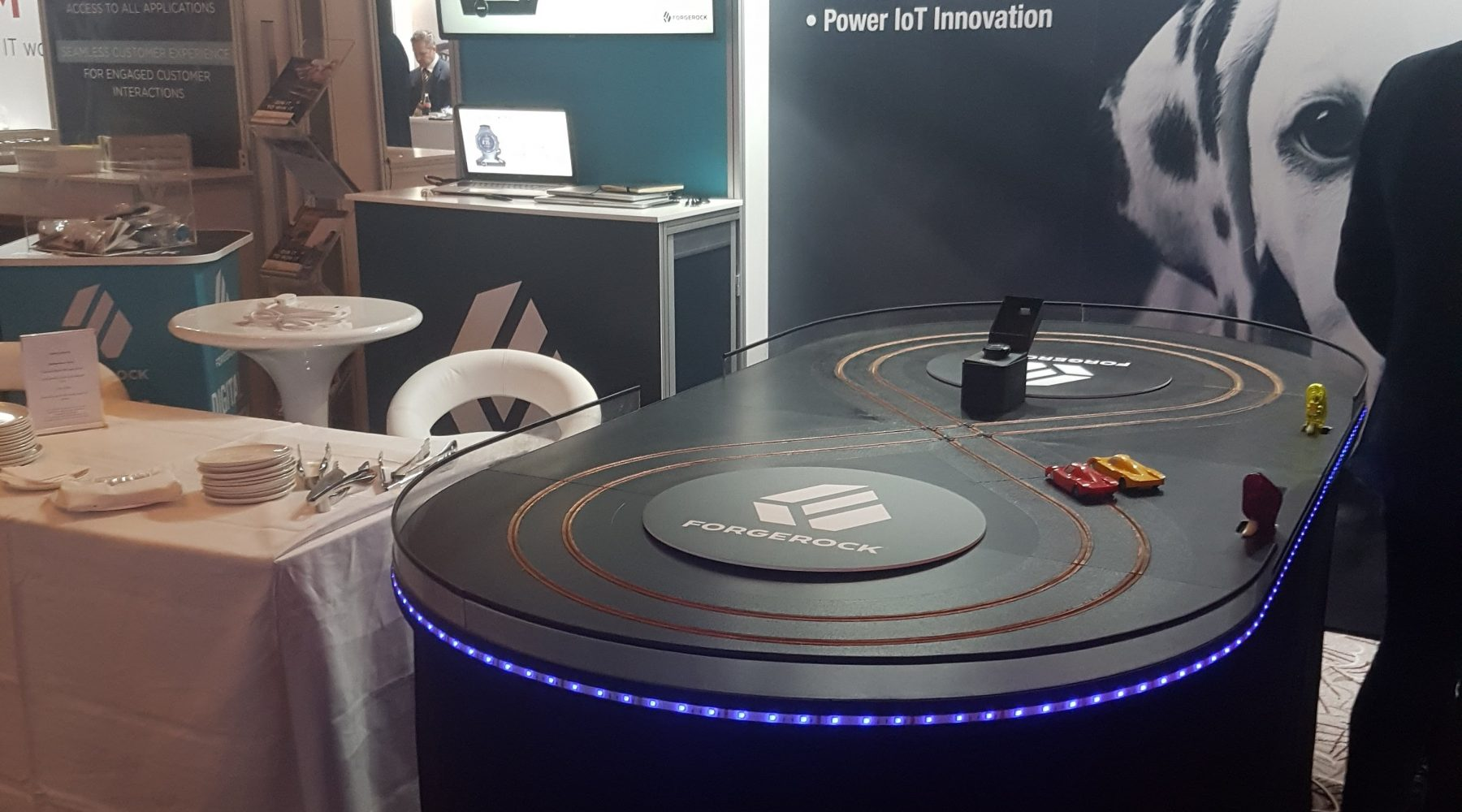 Exhibition Stand Game : Scalextric exhibition track for hire miniracing